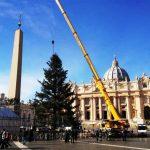 Crianças com câncer fazem enfeites da ??rvore de Natal do Vaticano