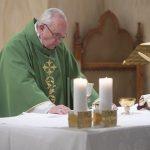 A mulher é harmonia, poesia e beleza, diz Papa Francisco