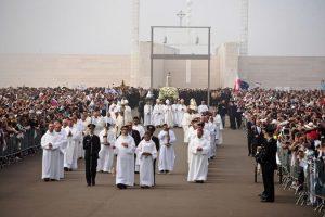 Encerramento de centenário de Fátima enfatiza paz mundial; mensagem papal