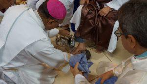 Dom Pedro preside missa de lava-pés na Catedral de Palmas