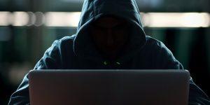 Secretário de Estado afirma: Papa se preocupa com crimes cibernéticos