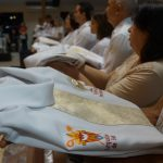 Catedral de Palmas celebra investidura de 34 novos Ministros Extraordinários da Comunhão eucarística