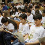 Como explicar a missa para crianças? Supere o desafio!