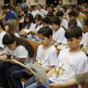 Para catequizar e educar seus filhos é preciso ter paciência e entender que o trabalho é de semeadura/ Imagem:  Catedral de Palmas
