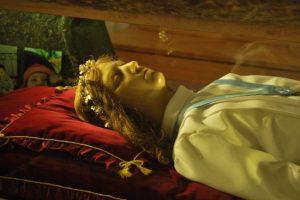 Maria Goretti tem seu corpo incorrupto até os dias de hoje/ Imagem: internet