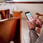 Como o uso de smartphones causa distração na oração?
