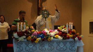 """""""Jesus já te deu a vitória"""", afirma Roberto Tannus na 2ª noite de evento"""