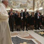 Papa à Fundação Papal: compromisso e generosidade