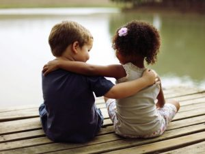 Amizade: manifestação infinita do amor de Deus