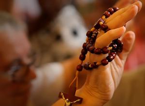 Conheça a devoção dos 33 terços das Santas Chagas de Cristo