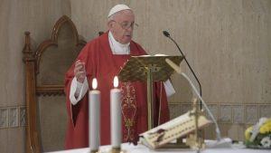 O Papa na Casa Santa Marta: rezar pelos governantes, eles farão o mesmo pelo povo
