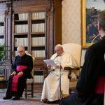 """Francisco: a """"paz"""" de alguns corresponde à """"guerra"""" de outros. Esta não é a paz de Cristo"""